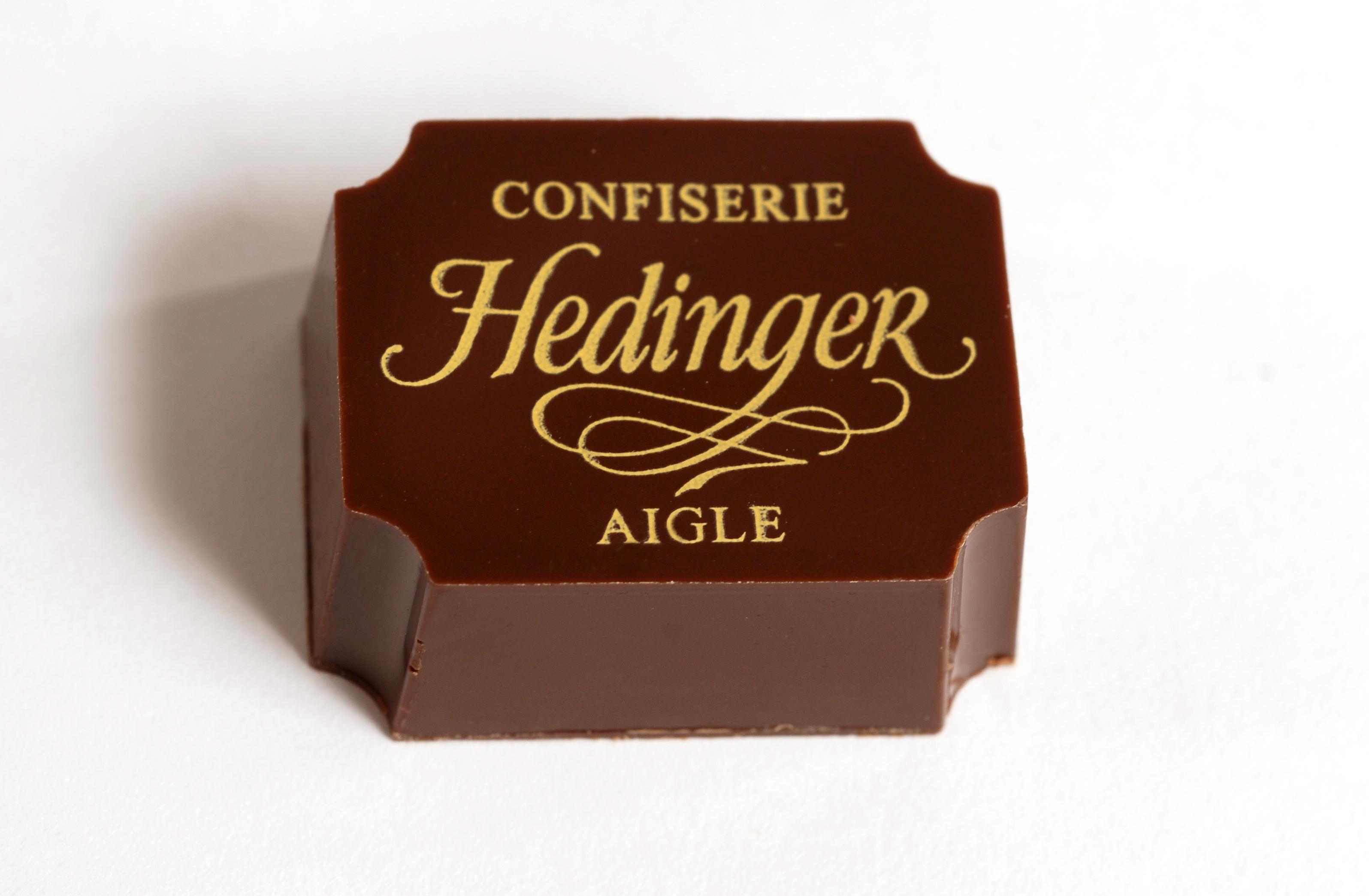 confiserie hedinger, chocolat, personnalisé, cadeaux, entreprise, vaud, valais, chablais, fait maison, artisanal, chocolatier, chocolat, truffes, logo, entreprise,
